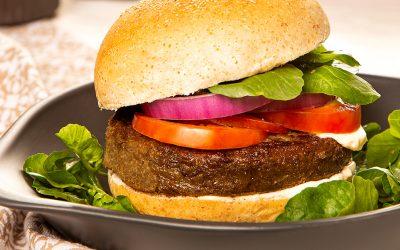 Hambúrguer vegano de lentilha com aveia e ervas